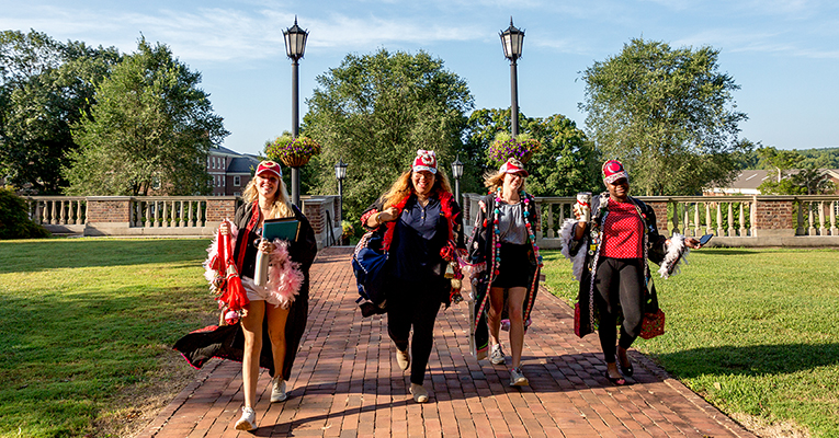 Students on the first day of class at Sweet Briar