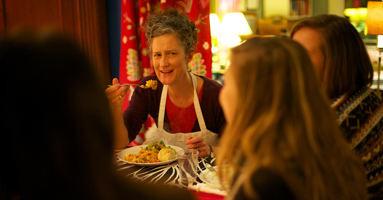 Prof. Carrie Brown hosts dinner for students