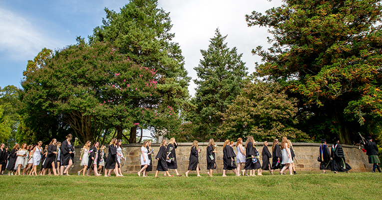 Sweet Briar students walking on Monument Hill